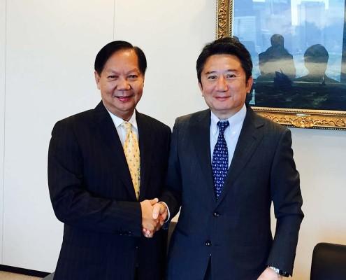 "Tan Sri Halim Mohammad with the new President of ""K"" Line – Mr. Eizo Murakami"